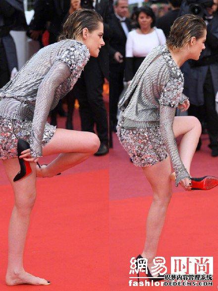 演戏面瘫出轨又出柜的暮光女走红毯又脱鞋?没毛病